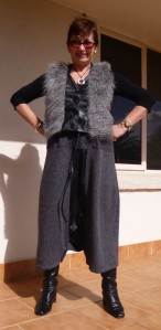 Skirt/ pant buttoned